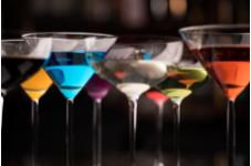 3/1より シグネチャーカクテル「50 Martini Collection」