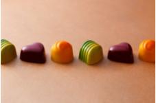 【Valentine's Day】大人のための苺ミルク、ピスタチオ、エルダーフラワーの3種のテイストが楽しめる「バレンタインボンボンショコラ」
