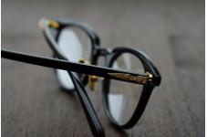 黒×ゴールド 金子眼鏡 「KCG-07R」